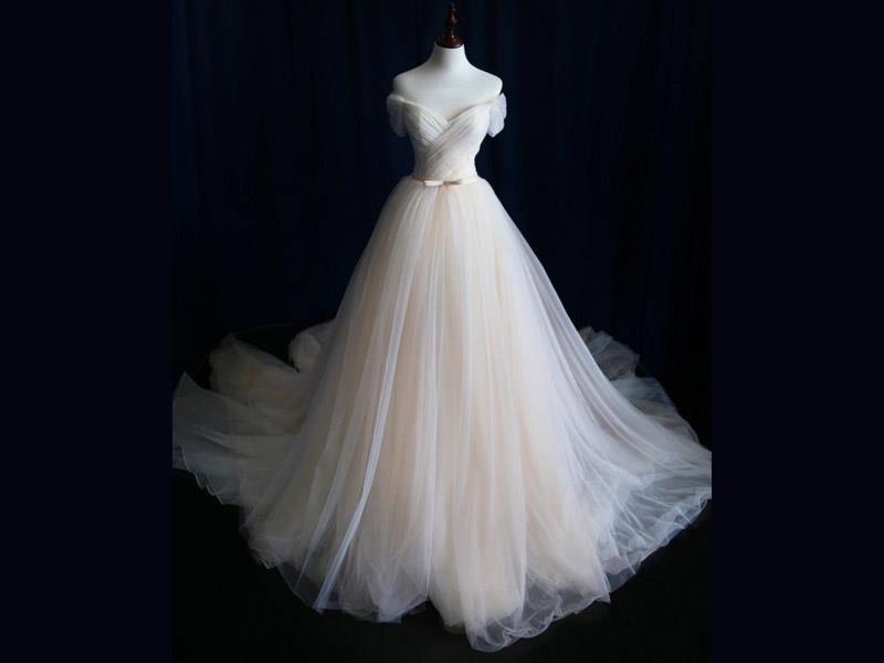 کدام مدل لباس عروس برای شما مناسب است؟
