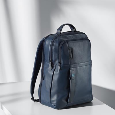 آبی رنگ حرفه ایها... #backpac