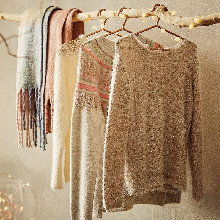 Cozy warm sweaters and scarves are ready for Xmas days. Enjo ...