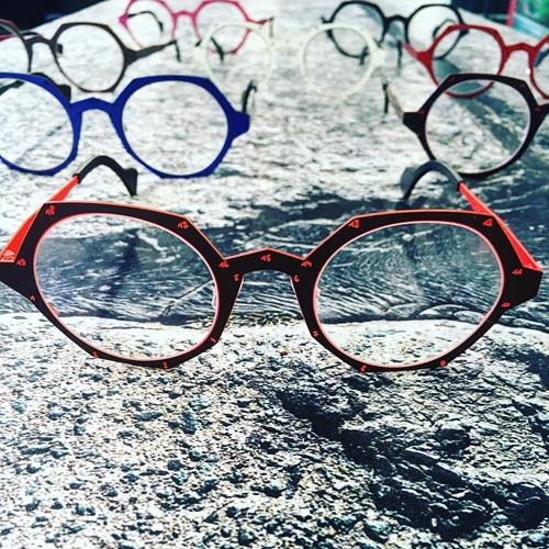 عینک های مدرن برند Theo