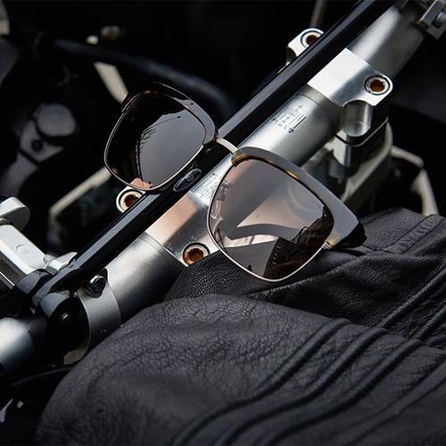 عینک های برند police