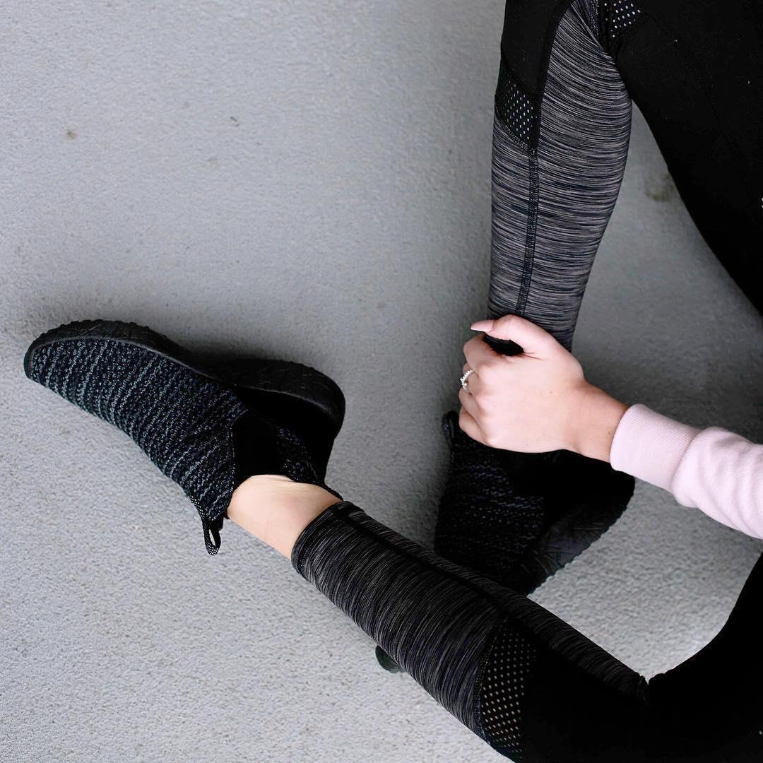 کفش ورزشی زنانه اسکچرز