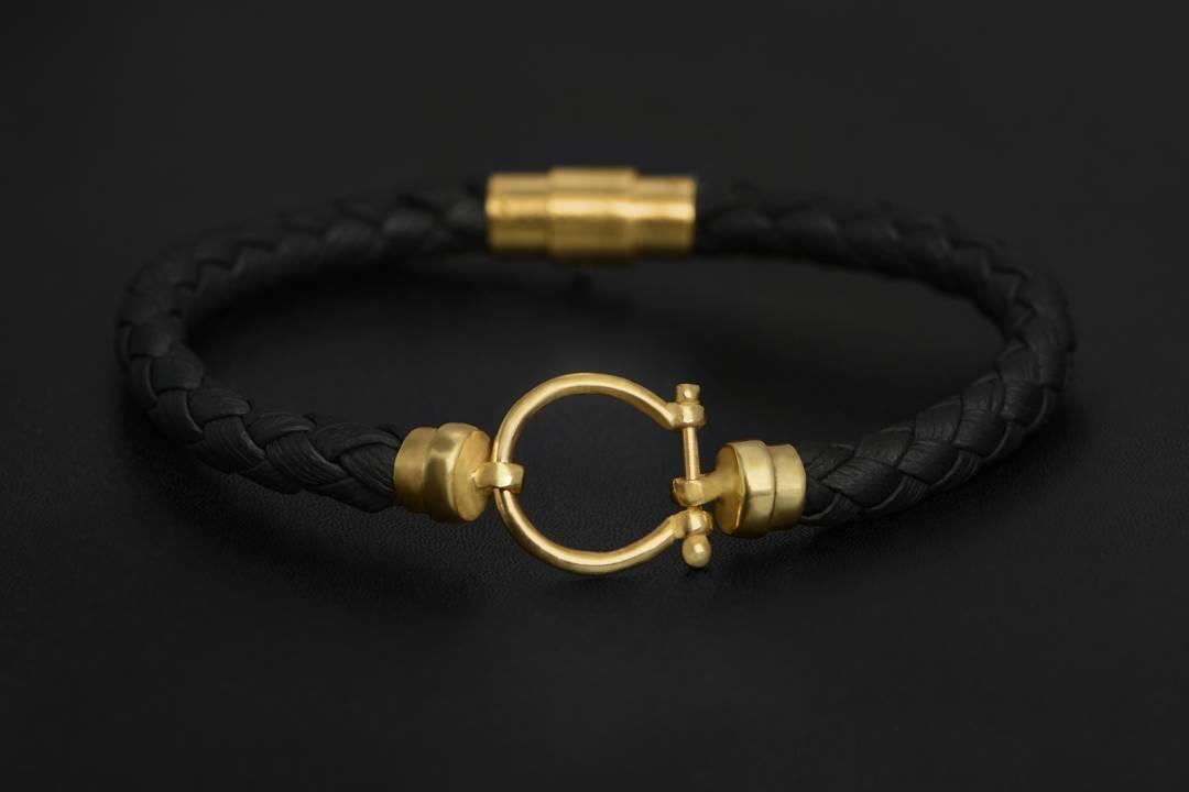 دستبند طلا چرم طرح امگا قيمت