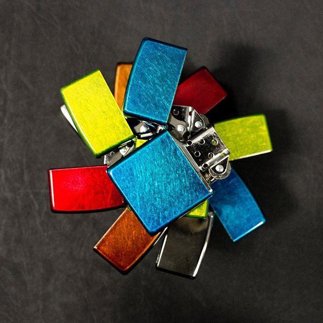 رنگبندی زیبا از برند زیپو How