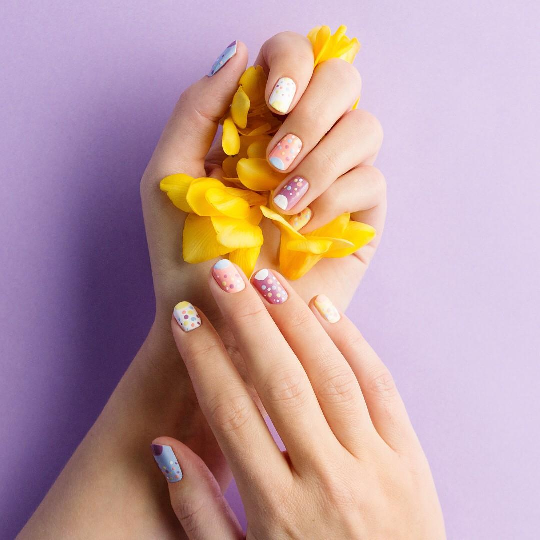 The cutest #manicure for Easte