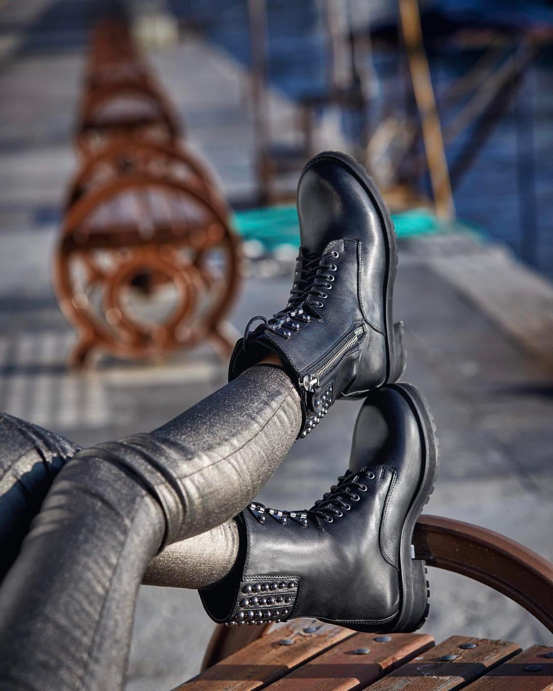 Zımbalı botlarla asi bir bahar