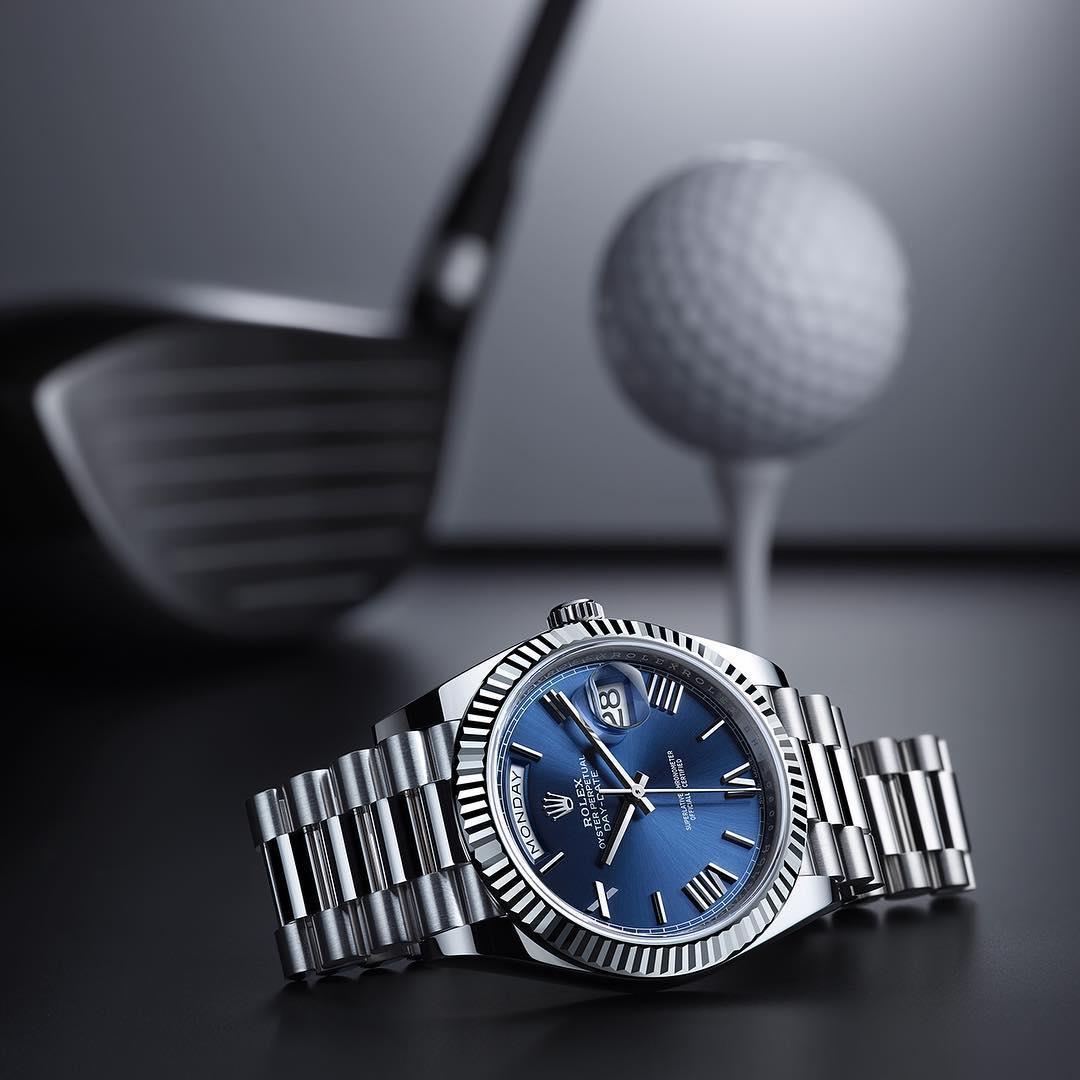 Refined and elegant in a smaller 28mm size, the Lady-Datejust 28 retains the essential qualities of all Rolex Oyster watches: the precision of a Superlative Chronometer and the flawless reliability of a strong, waterproof Oyster case.