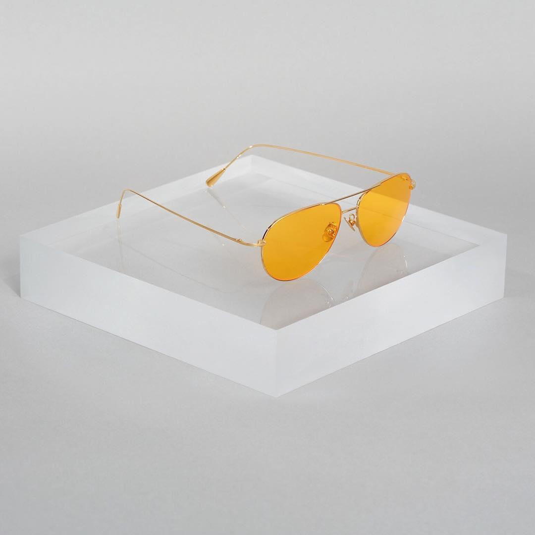 Tinted lenses. The precious metal aviator  #summertime #statementshades #mellowyellow #aviatorsunglasses