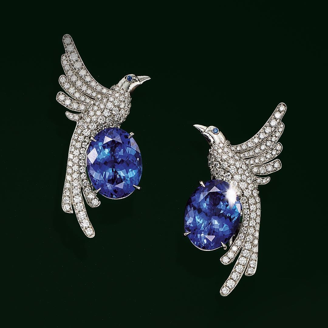 A stunning display of diamonds, oval tanzanites and two sapp ...