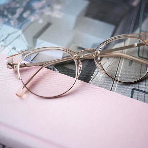 عینک های طبی کومونو در راستای