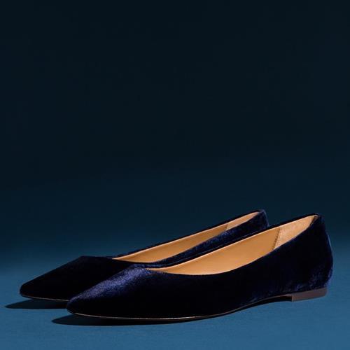 Blue velvet in flats, the perf