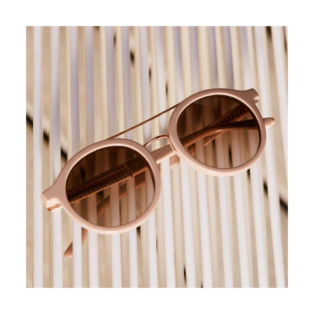Modern feminity: soft neutrals meet a rose-gold finish in th ...
