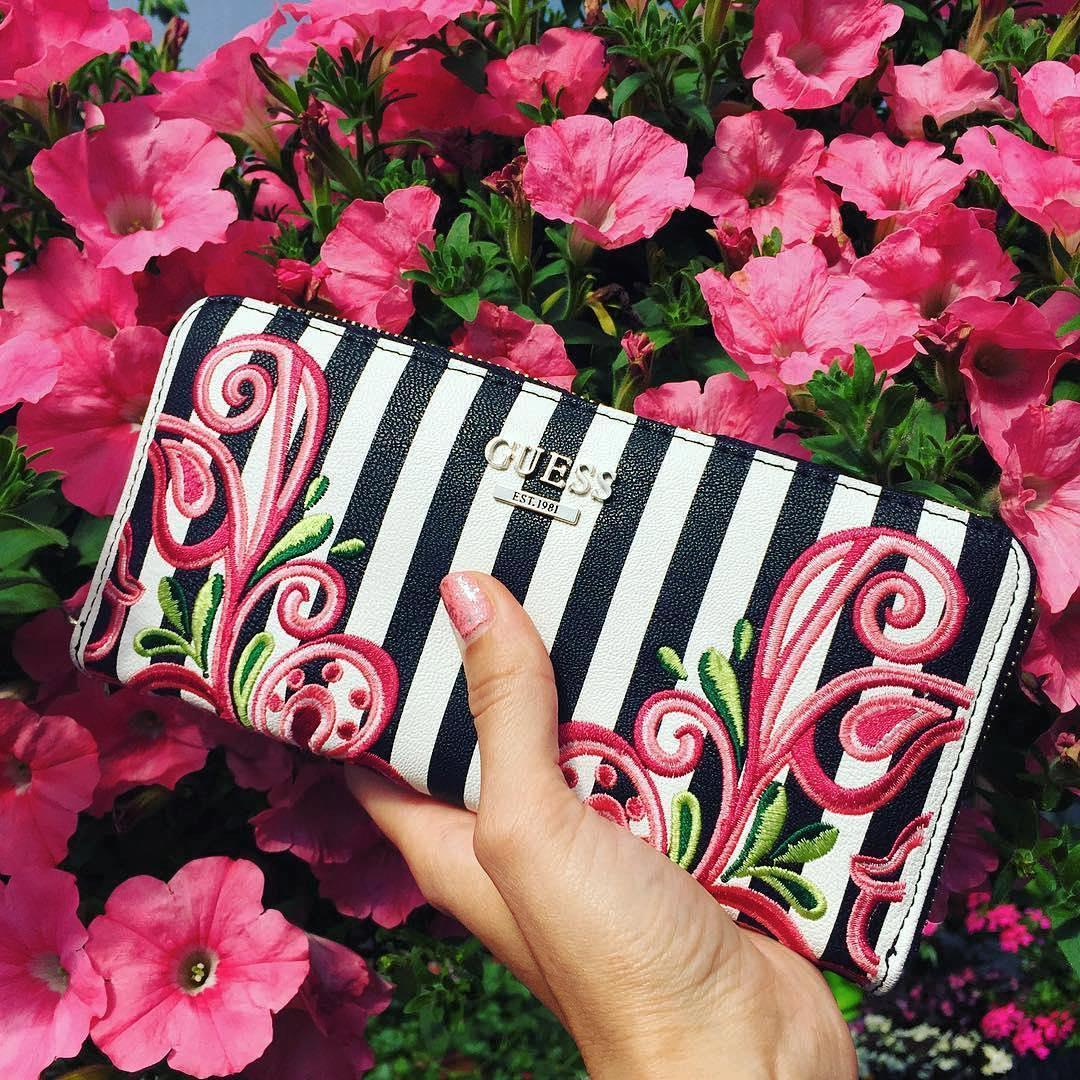 The Arianna Stripe and Flower