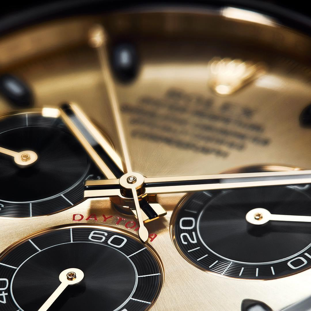 The high-contrast dial of the Rolex Cosmograph Daytona enhances the legibility of the chronograph function.