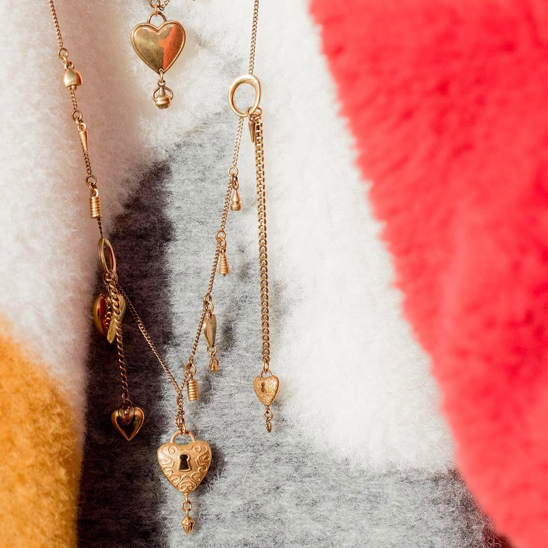 Collected hearts – #FW17's eclectic new line of vintage-inspired jewellery, as seen on the runway #PFW #chloeGIRLS