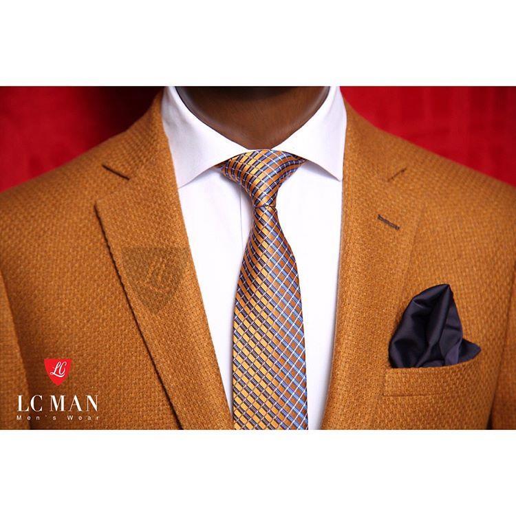 یک کت تک رسمی مردانه باید با ک