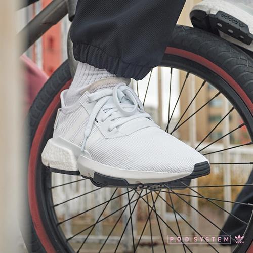 کفش ورزشی ادیداس  #کفش_ورزشی