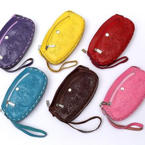 کیف لوازم آرایش دور بافت رنگی