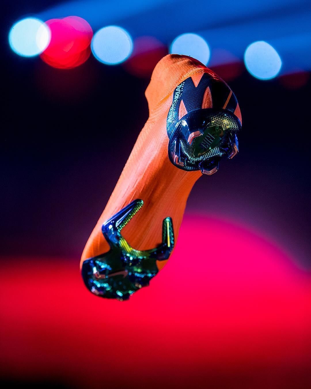 کفش ورزشی نایک Live from Lond