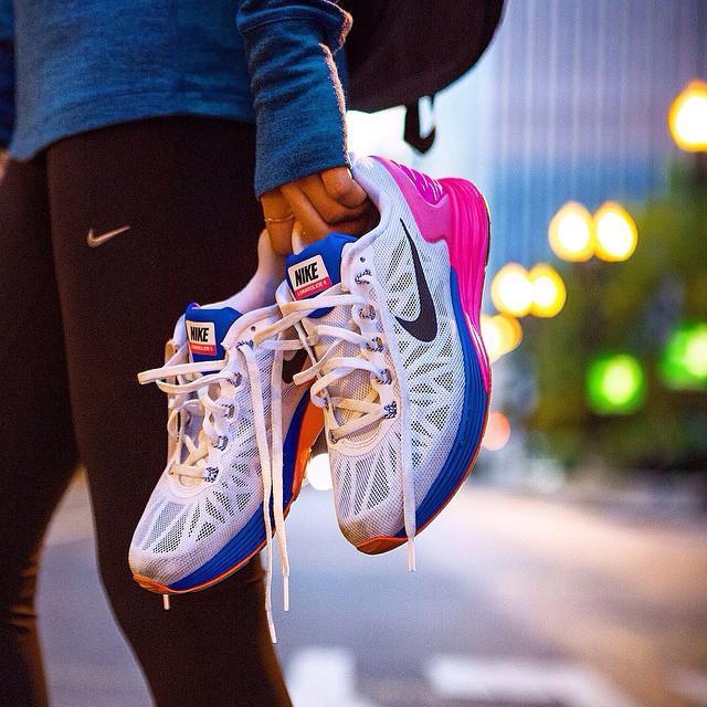 کفش و لباس ورزشی نایک