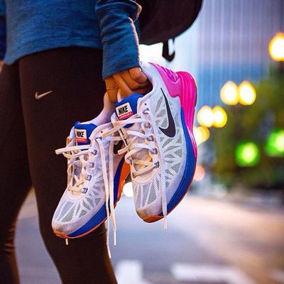 کفش و لباس ورزشی نایک #کتونی_