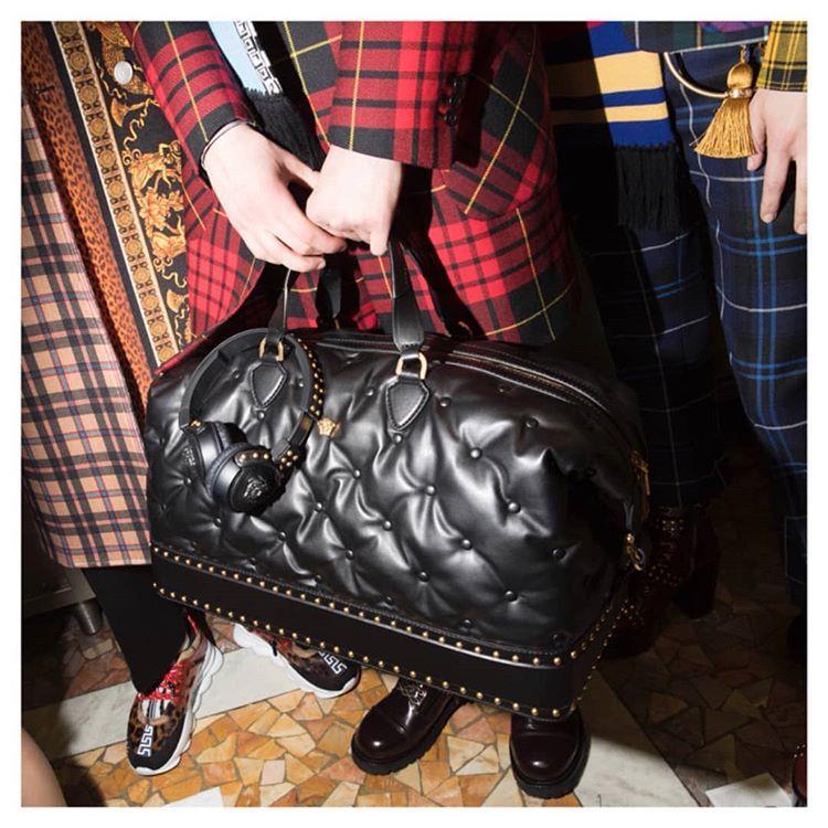 کیف چرم ورساچه A chesterfield
