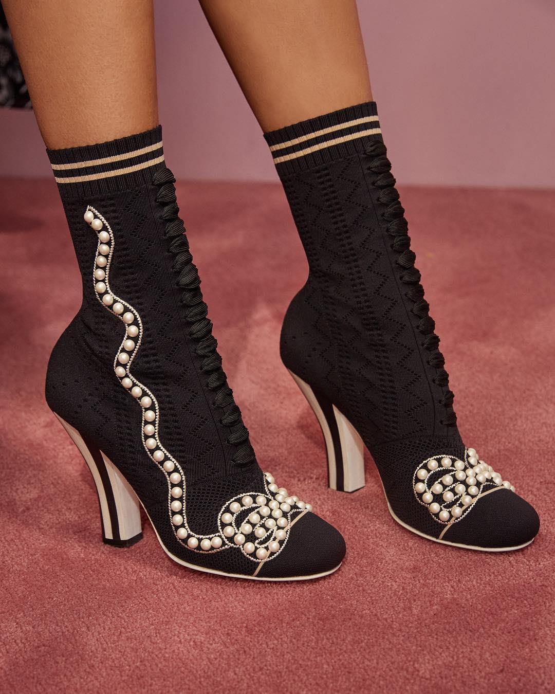 کفش زنانه فندی Refresh your l