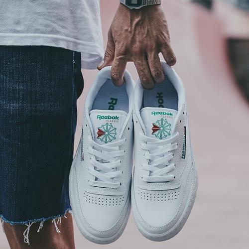 کفش ورزشی ریبوک که از سال 85 ت