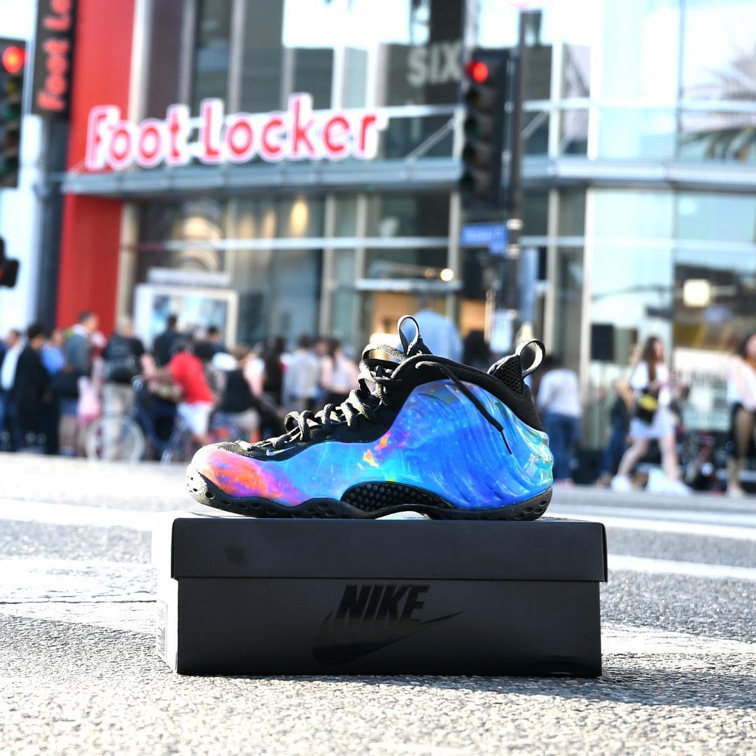 کفش ورزشی فوت لاکر