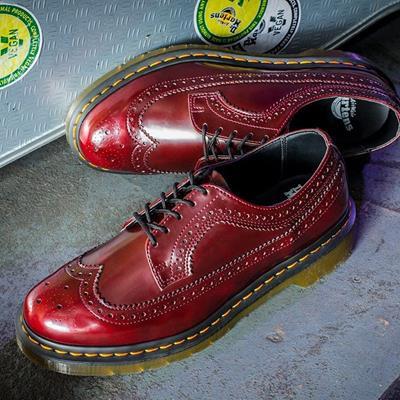 کفش دکتر مارتینز با سبک کلاسیک