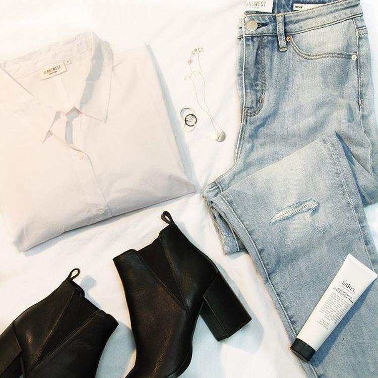 #لباس زنانه#شلوار جین#کفش#جین