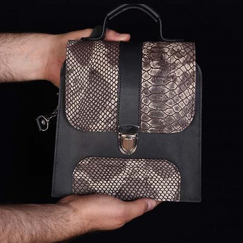 کیف دوشی مدل شیده یک کیف دستی