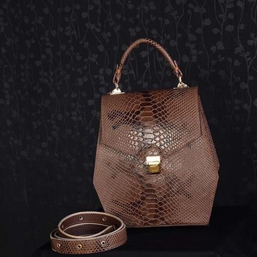 کیف دوشی مدل دلناز یک کیف دستی