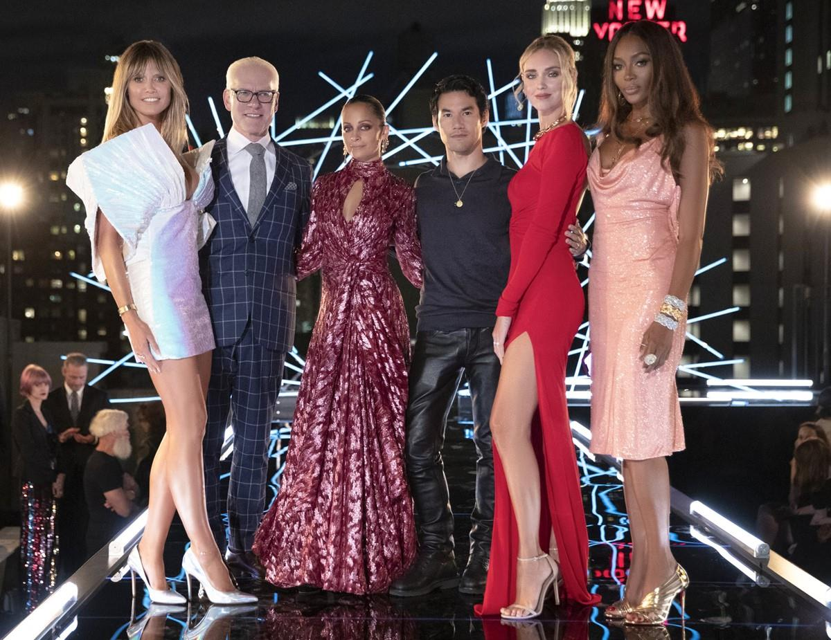 مسابقه تلویزیونی طراحی لباس
