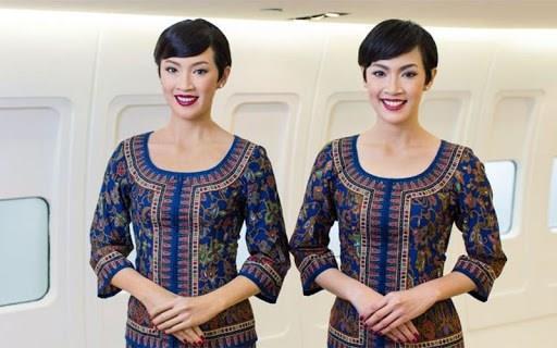 طراحی لباس مهمانداران هواپیما سنگاپور ایرلاین توسط پیربالمان