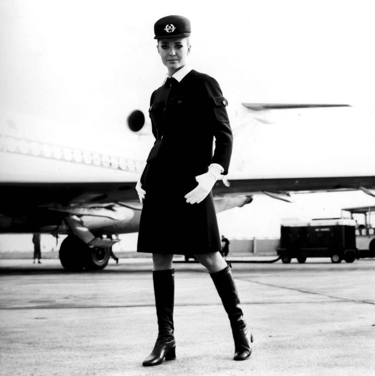 طراحی لباس مهمانداران هواپیما ایرفرانس توسط بالنسیاگا